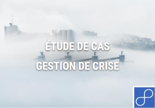 Ville embrumée avec le titre étude de cas gestion de crise